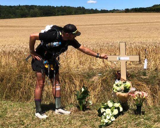 Ultra-triatleet Nico De Neef loopt 250 km om afscheid te nemen van Sandina
