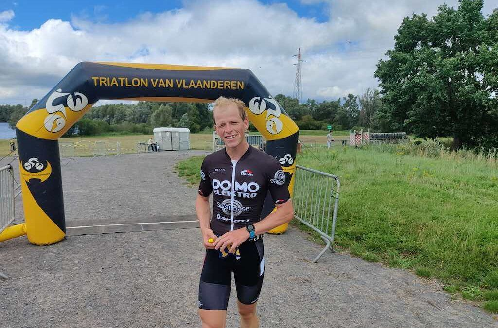 Alexandra Tondeur en Pieter Heemeryck winnen kwart triatlon in Oudenaarde