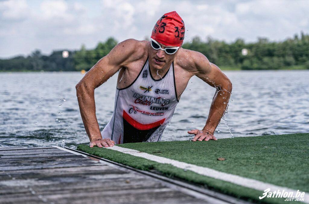 """Recreatieve zwemloop in Willebroek: """"Watertemperatuur valt mee maar je kan ter plaatse je afstand kiezen…"""""""