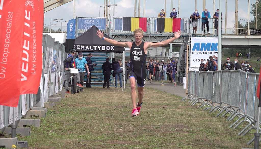 Christophe De Keyser pakt Belgische titel sprint-triatlon na derde zege op rij