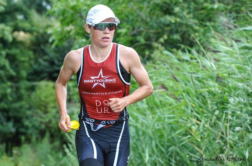 Alexandra Tondeur loopt naar tweede plaats in 70.3 Ironman Sables d'Olonne