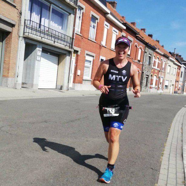 Een verhaal uit de achterhoede – hoe Grinta-reporter en triatlete Joyce Verdonck de finish van Fre miste