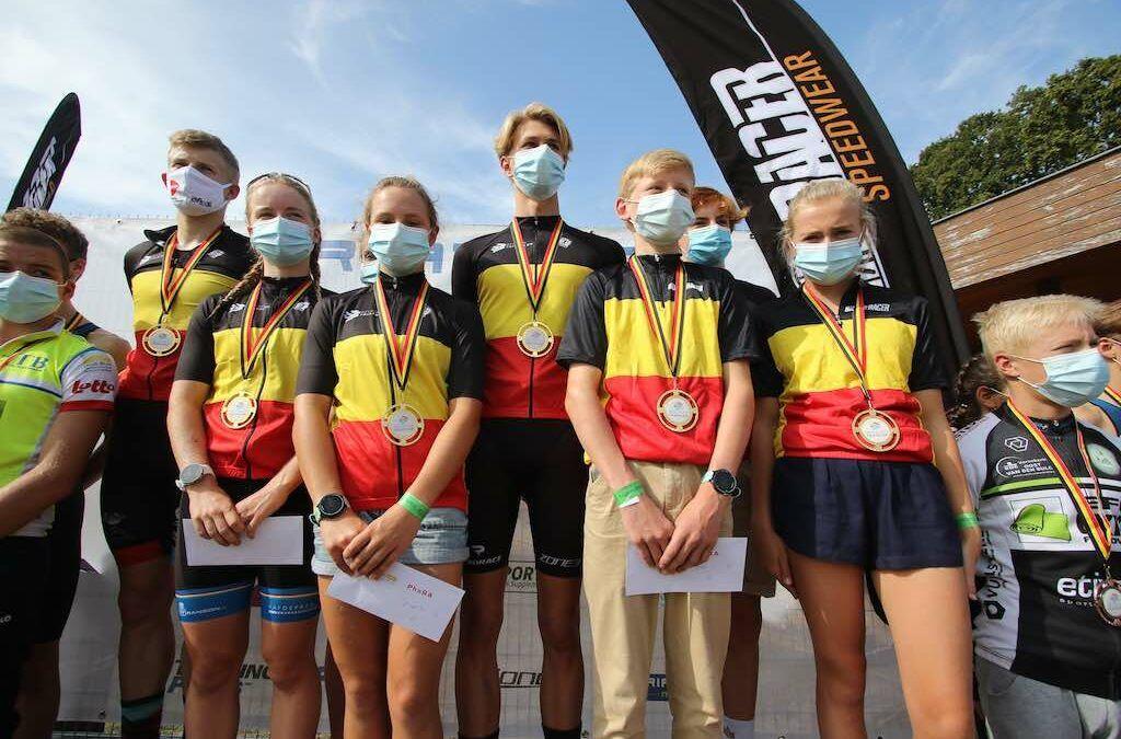 Spectaculair Belgisch kampioenschap jeugdtriatlon in Hofstade – alle 8 podia op een rij