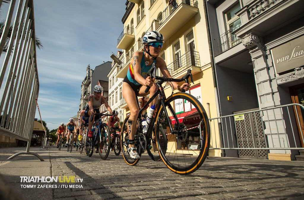 Valerie Barthelemy 14de in World Cup triatlon Karlovy Vary