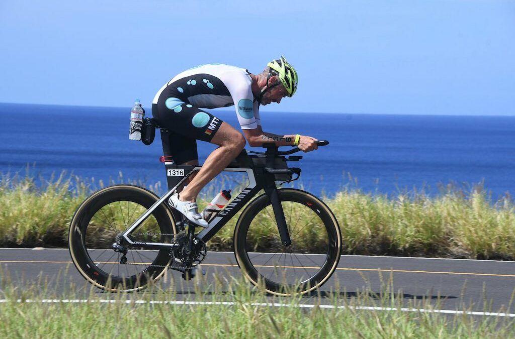 """Koen """"Flor"""" Vanderbeke over combi triatlon, werk en gezin: """"Trainen van 5 tot 7 u. 's ochtends…"""""""