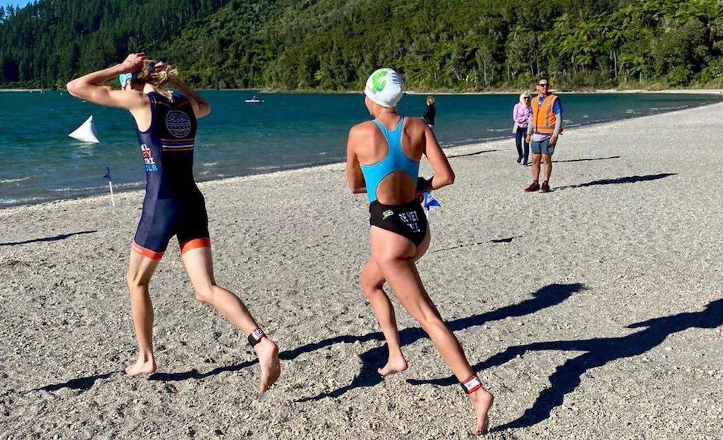 Hanne De Vet pakt eerste podium van 2021 in 'reverse aquathlon' in Nieuw-Zeeland