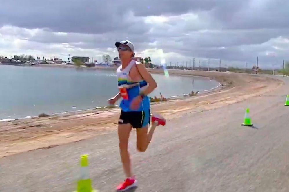 Net geen wereldrecord voor sterke Jim Walmsley op 100 km, wel record op loopband voor Adinda Vetsuypens
