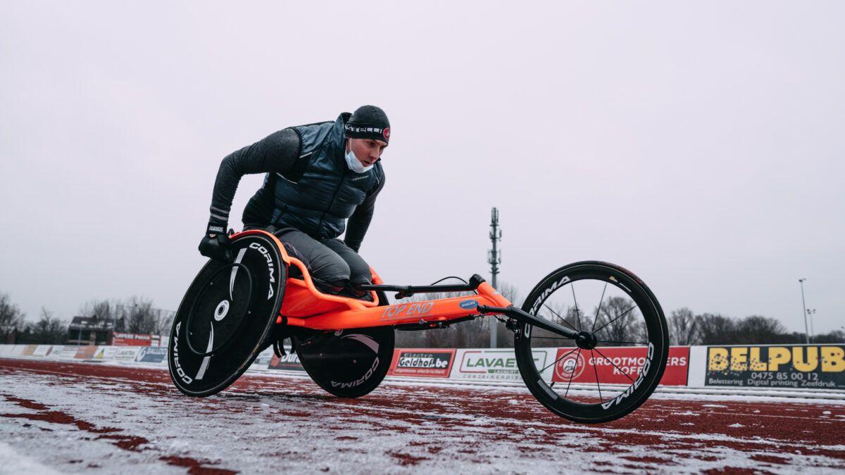 """Para-triatleet Bart Vandermoere """"Ik hoorde na het zwemmen mensen zeggen dat ik geen haast had…"""""""
