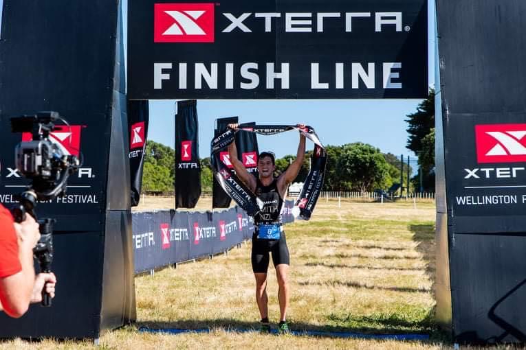 Xterra neemt succesvolle herstart in Nieuw-Zeeland, Smith en Kennedy winnen cross-triatlon
