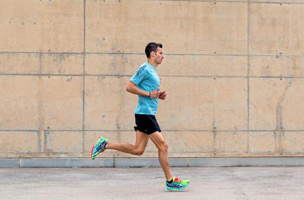 Ex-wereldkampioen triatlon Mario Mola verlaat Nike en tekent contract met Asics
