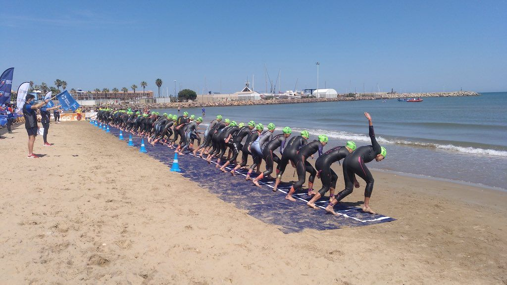 Valerie Barthelemy 7de in European Triathlon Cup in Melilla, Claire Michel net buiten top-10