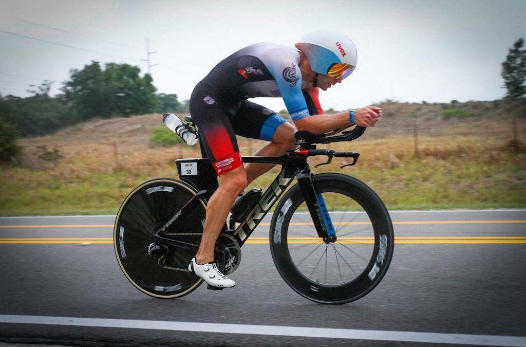 Bart Aernouts 5de en sub-8 in Ironman Tulsa, winnaar Patrick Lange draagt zege op aan overleden moeder