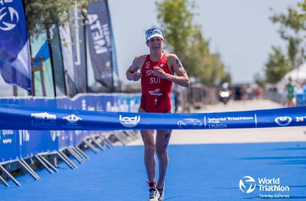 Nicola Spirig wint de World Cup Triatlon in Lissabon, Hanne De Vet valt uit, Jolien Vermeylen beste Belgische