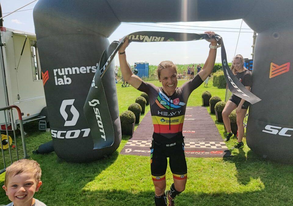 Matthias Allegaert wint met een sterk loopnummer, Christine Verdonck van start tot finish in Nisraman