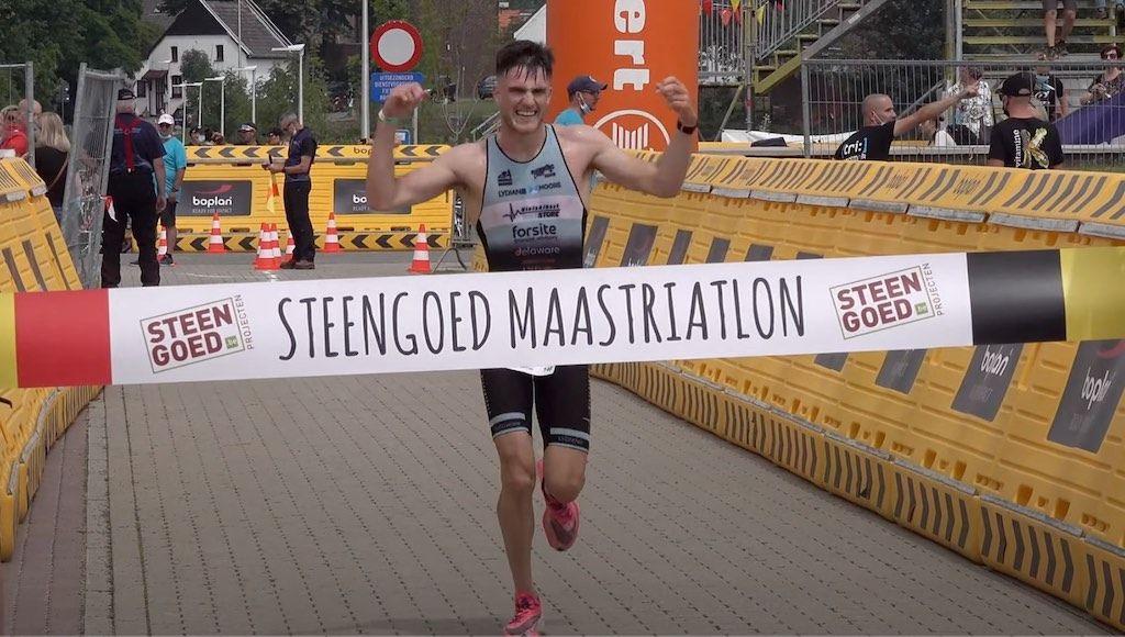 Lotte Vandekerckhove en Emilio Hernaert winnen sprinttriatlon in Kinrooi, ruim 50 finishers in beeld
