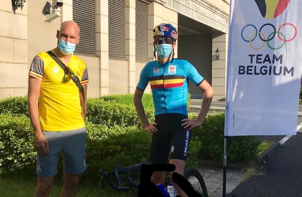 """Belgian Hammers trainen in Mito """"We mogen gelukkig buiten fietsen, met een ambtenaar die ons overal volgt"""""""