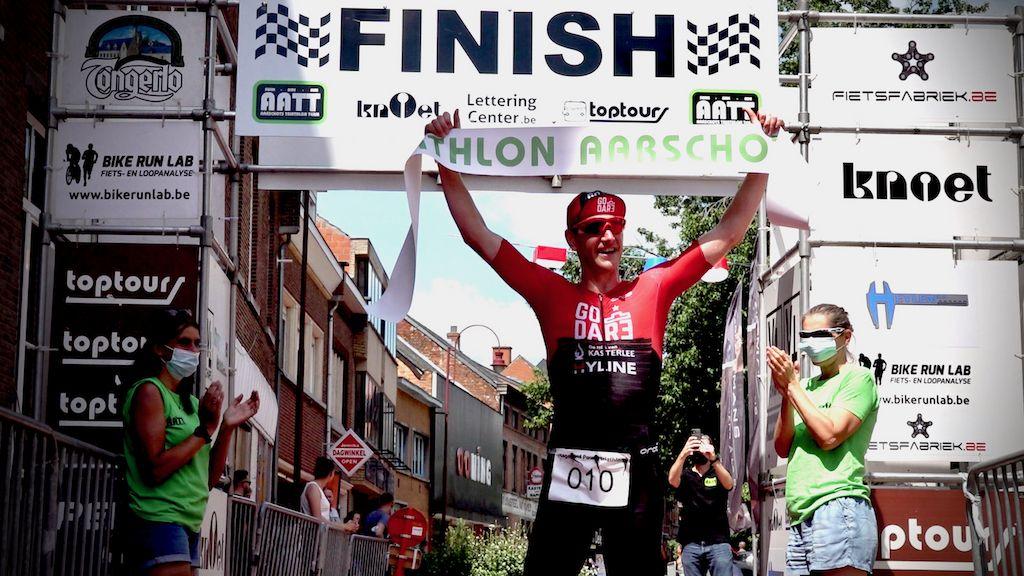 """Seppe Odeyn na winst in triatlon die duatlon werd """"Spijtig dat we niet konden zwemmen…"""""""