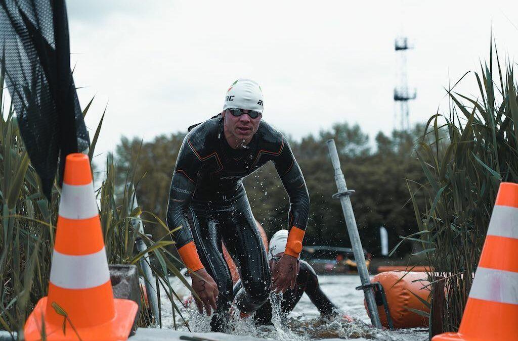 Overstromingen en wateroverlast hebben ook gevolgen voor triatlons dit weekend