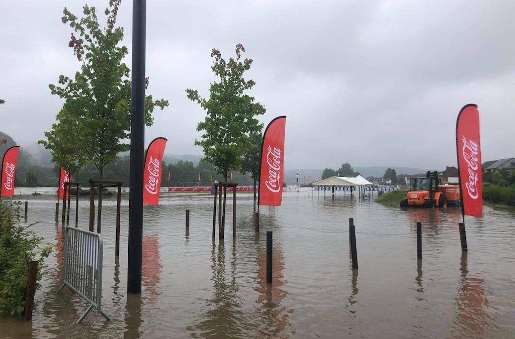 """Wedstrijdsite triatlon Haute Meuse volledig onder water – """"Geef ons even tijd om alle vragen te beantwoorden"""""""