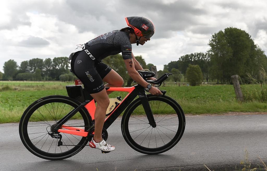 Belgische triatlete wint halve triatlon van Maastricht, Menno Koolhaas wint daags na NK