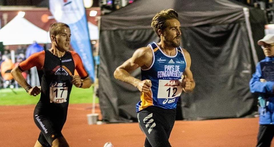 Arnaud Dely loopt snelle 10.000 in Frankrijk, boegbeeld van Belgische duatlon-selectie voor WK in Aviles