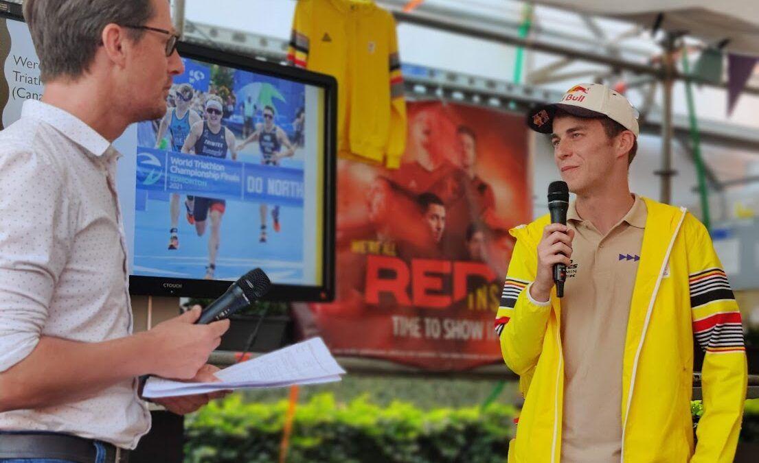 Vice-wereldkampioen triatlon Marten Van Riel als een held ontvangen in Loenhout
