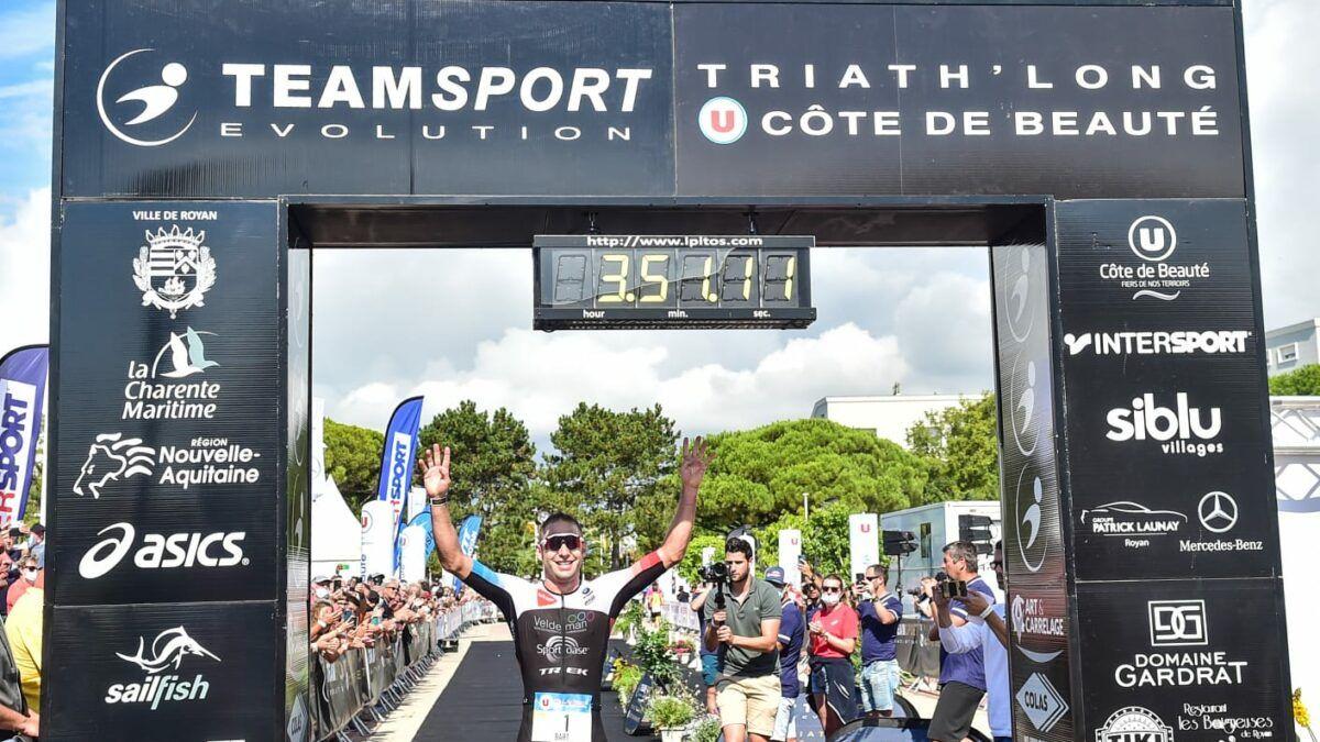 Bart Aernouts pakt tweede seizoenszege in Franse halve triatlon
