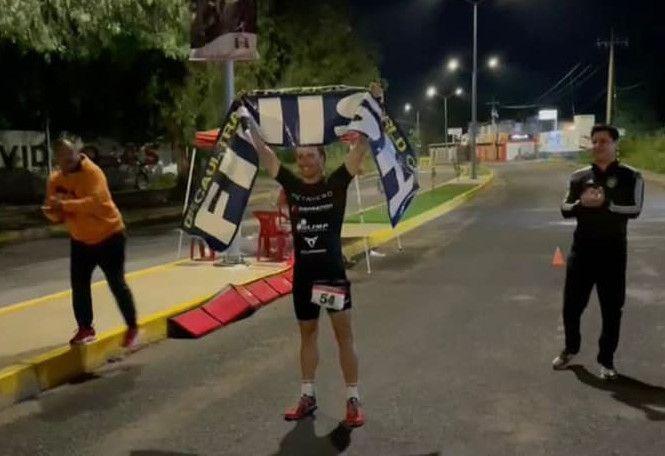 Poolse triatleet breekt wereldrecord quintuple triatlon: 19 km swim, 900 km bike en 211 km run in 67u58