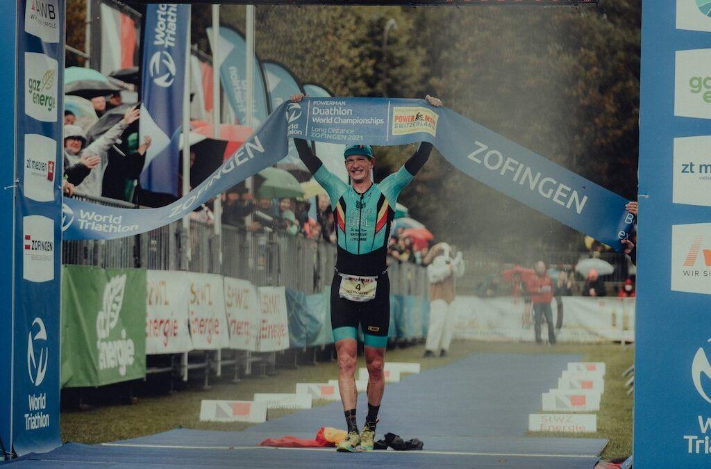 Seppe Odeyn opnieuw wereldkampioen duatlon in helse omstandigheden in Zofingen