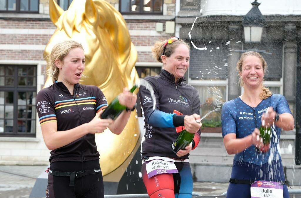 De City triatlon van Dendermonde in ruim 170 foto's
